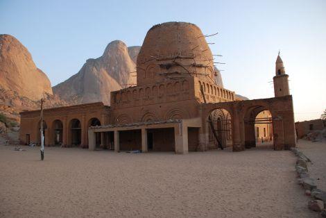 Khatmiyya_Hasan_tomb